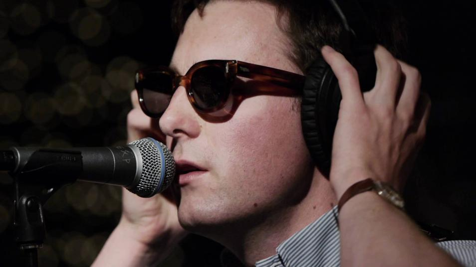 RETARD → Magazine - Nick Waterhouse - Sleeping Pills (Live on KEXP)