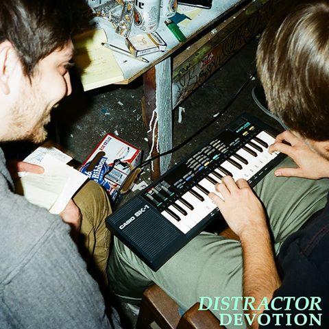 Distractor1