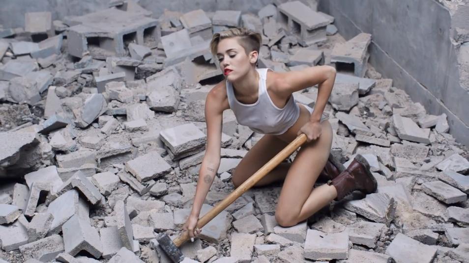 RETARD → Magazine - Miley Cyrus - Wrecking Ball
